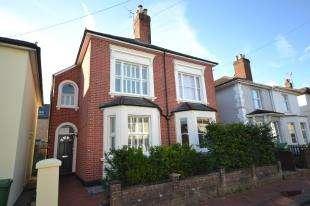 3 Bedrooms Semi Detached House for sale in Albion Road, Tunbridge Wells, Kent, .
