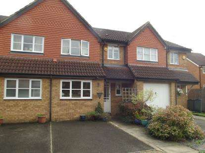 3 Bedrooms Terraced House for sale in Artesian Grove, Barnet, Na