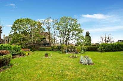 1 Bedroom Retirement Property for sale in Britannia Court, Christchurch Lane, Downend, Bristol