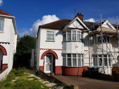 3 Bedrooms End Of Terrace House for sale in Church Drive, Kingsbury, London, Uk