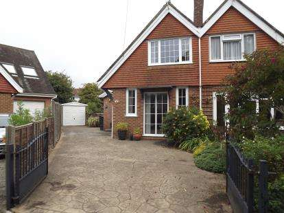 3 Bedrooms Semi Detached House for sale in Friars Cliff, Christchurch, Dorset