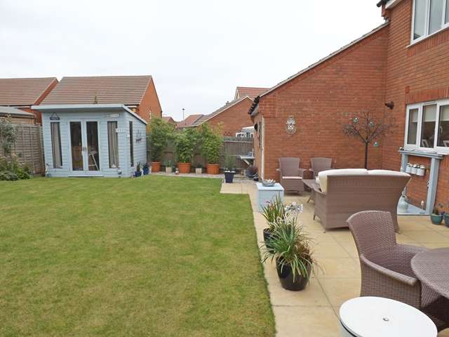 4 Bedrooms Detached House for sale in Biffin Close, Evesham