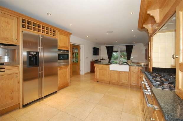 6 Bedrooms Detached House for sale in Chelsfield Hill, ORPINGTON, Kent