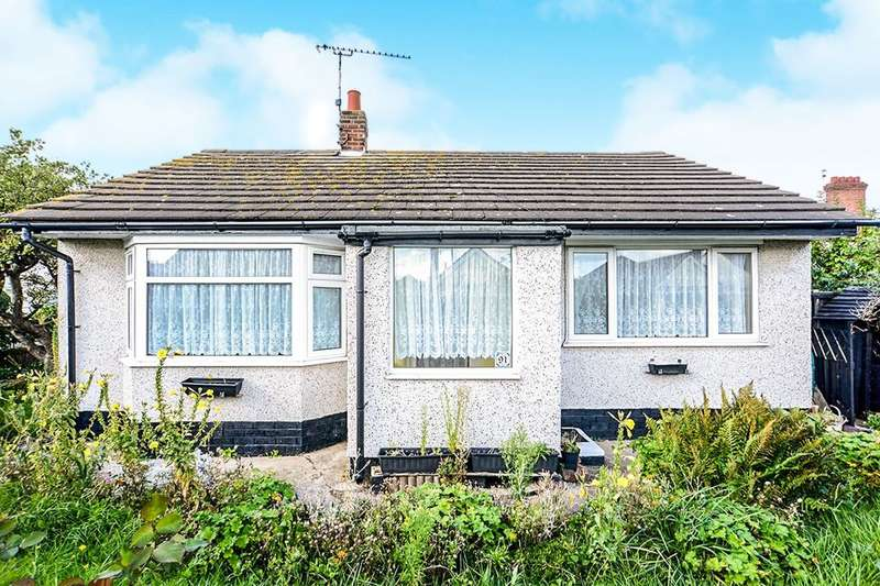 2 Bedrooms Detached Bungalow for sale in Seabank Drive, Prestatyn, LL19
