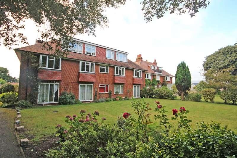 2 Bedrooms Flat for sale in Verwood Crescent, Hengistbury Head, Bournemouth
