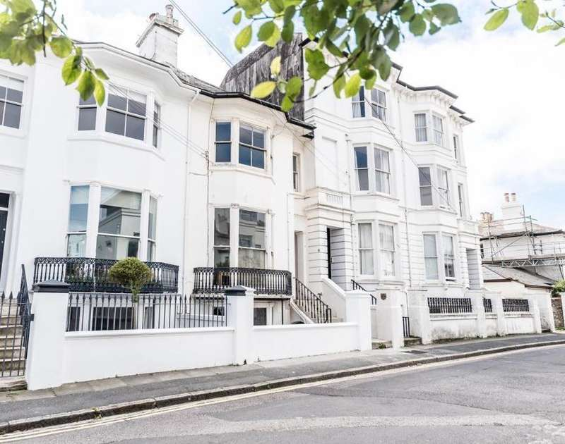 3 Bedrooms Apartment Flat for sale in Powis Grove, Brighton, BN1 3HF