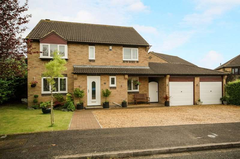 4 Bedrooms Detached House for sale in Winpenny Close, Yarm, North Yorkshire, TS15