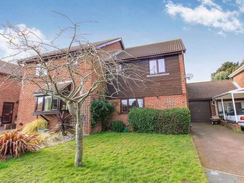3 Bedrooms Semi Detached House for sale in Tormore Park, Deal, CT14