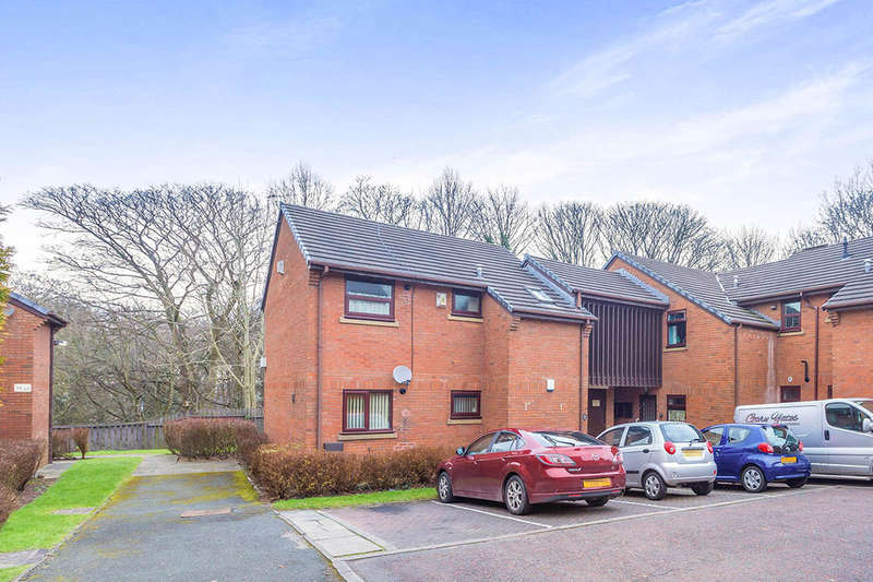 2 Bedrooms Flat for sale in Rookery Close, Chorley, PR7