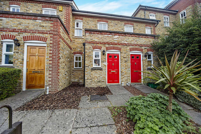 2 Bedrooms Terraced House for sale in George Lane, London, SE13