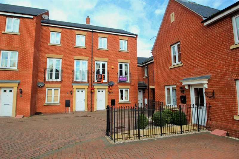 4 Bedrooms Town House for sale in Roper Close, Myland, Colchester
