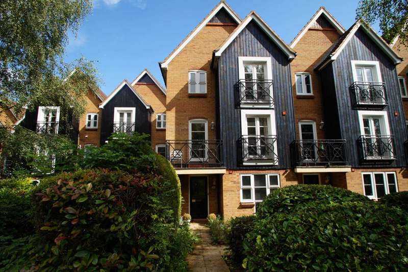 4 Bedrooms Town House for sale in Crown Walk, Apsley Lock, Hemel Hempstead