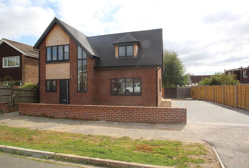 3 Bedrooms Detached House for sale in Coppice Way, Fareham