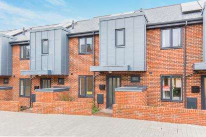 3 Bedrooms Terraced House for sale in 43 Amoy Street, Southampton