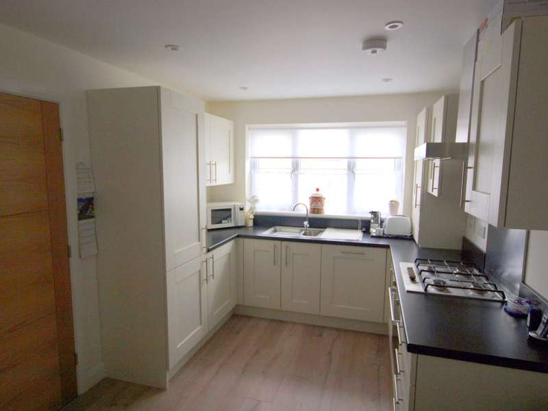 3 Bedrooms Detached House for sale in Dobwalls, PL14 6EX