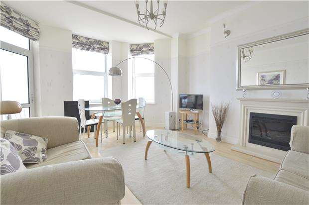 2 Bedrooms Flat for sale in Park Lane Mansions, Eversfield Place, ST LEONARDS, TN37 6DD