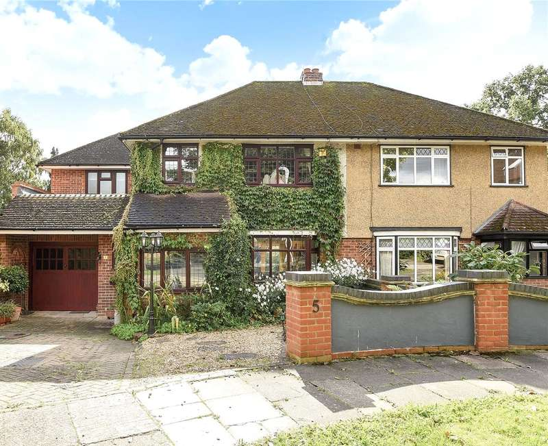4 Bedrooms Semi Detached House for sale in Ravenscourt Close, Ruislip, Middlesex, HA4