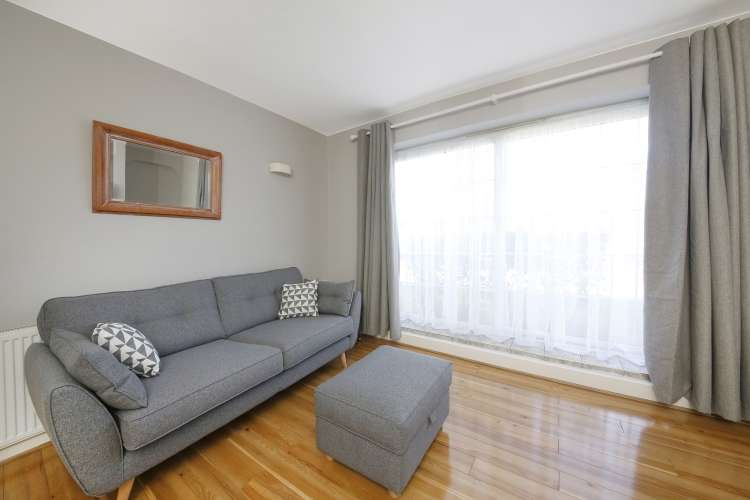 3 Bedrooms Flat for sale in Beaconsfield Close Blackheath SE3