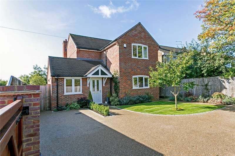 3 Bedrooms Detached House for sale in Missenden Road, Great Kingshill, High Wycombe, Buckinghamshire, HP15
