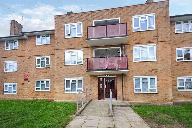 2 Bedrooms Flat for sale in Norman Crescent, Brentwood