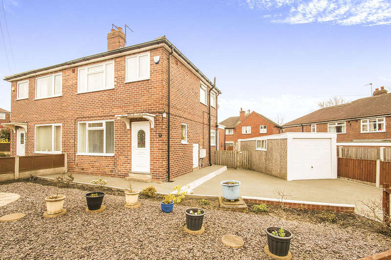 3 Bedrooms Semi Detached House for sale in Graham Walk, Gildersome,Morley, Leeds, LS27