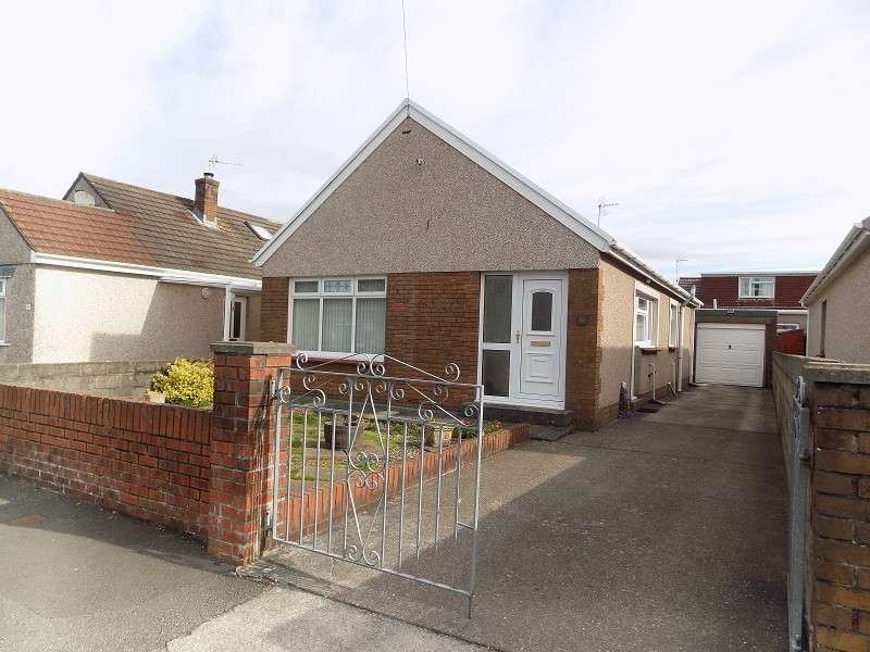 3 Bedrooms Detached Bungalow for sale in Heol Adare , Tondu, Bridgend. CF32 9EP