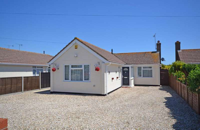 3 Bedrooms Detached Bungalow for sale in Grafton Road, Selsey, PO20
