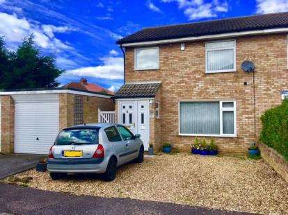 3 Bedrooms Semi Detached House for sale in Bellingham Place, Biggleswade, Bedfordshire