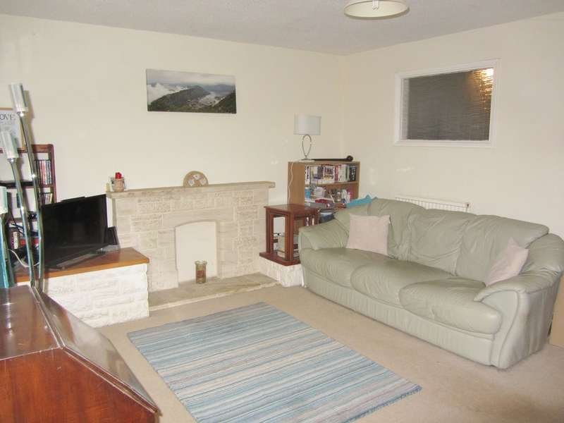 3 Bedrooms Terraced House for sale in Longlands, Fairford