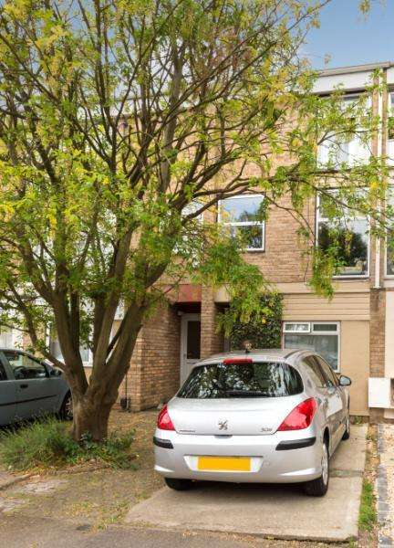 4 Bedrooms Terraced House for sale in Harefields, Oxford