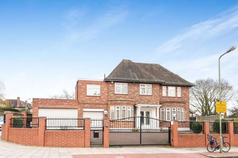 5 Bedrooms Detached House for sale in Chalgrove Gardens, Finchley
