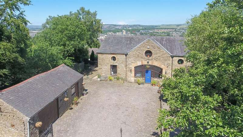 4 Bedrooms Barn Conversion Character Property for sale in The Old Coach House, Healey Mount, Burnley