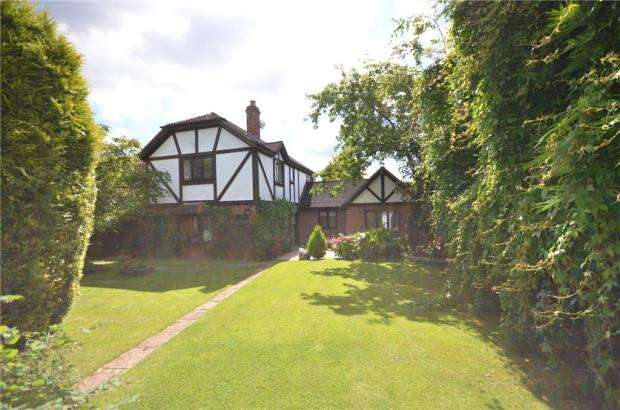 4 Bedrooms Detached House for sale in Highfield Lane, Maidenhead, Berkshire