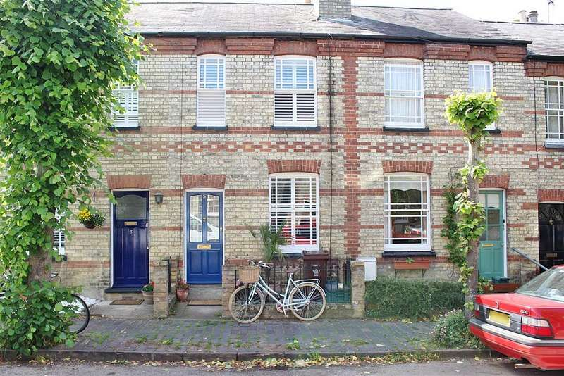 2 Bedrooms Terraced House for sale in Oster Street, St. Albans