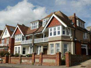 1 Bedroom Flat for sale in Sutton Park Road, Seaford, East Sussex