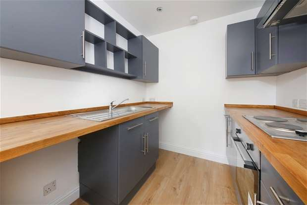 2 Bedrooms Flat for sale in Cambria Road, Camberwell