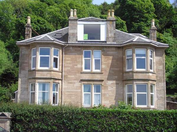 4 Bedrooms Maisonette Flat for sale in 23 Marine Parade, Millport, Isle of Cumbrae, KA28 0EE