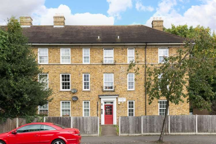 1 Bedroom Flat for sale in Kidbrooke Grove Blackheath SE3