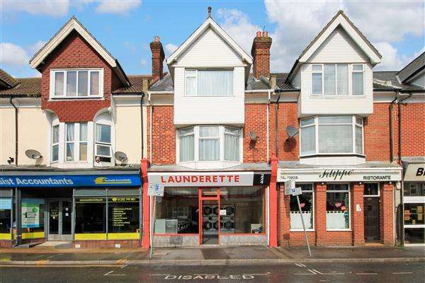 2 Bedrooms Flat for sale in Ashley Road, Poole