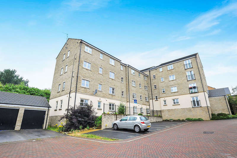 2 Bedrooms Flat for sale in Laithe Hall Avenue, Cleckheaton, BD19