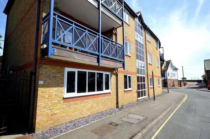 1 Bedroom Ground Flat for sale in Petticrow Quays, Belvedere Road, Burnham-On-Crouch, Essex, CM0