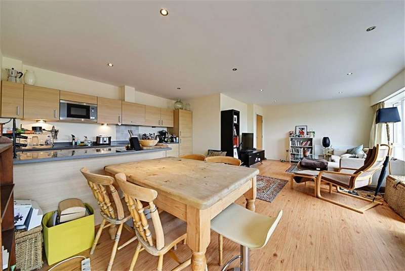 2 Bedrooms Flat for sale in Heritage Avenue, Colindale, London