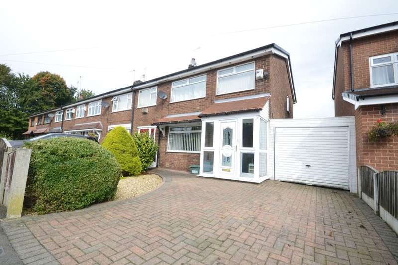 3 Bedrooms Semi Detached House for sale in Dee Drive, Kearsley, Bolton, BL4