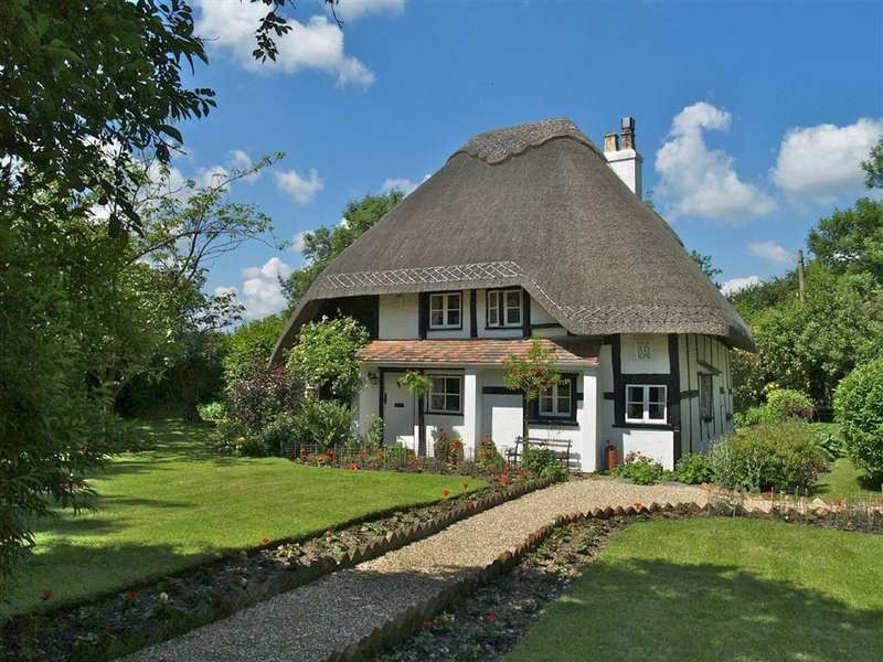 3 Bedrooms Cottage House for sale in Pig Oak, Wimborne, Dorset