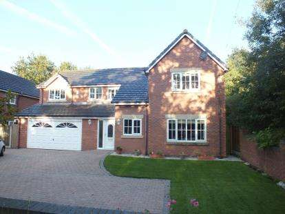 4 Bedrooms Detached House for sale in Rhoden Road, Leyland, Preston, .
