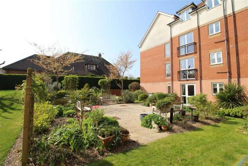 1 Bedroom Apartment Flat for sale in Cooden Drive, Bexhill On Sea