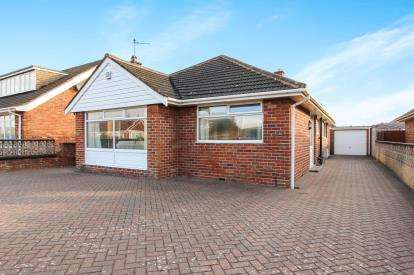 2 Bedrooms Bungalow for sale in Salcombe Road, Lytham St Annes, Lancashire, England, FY8