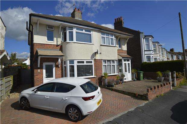 3 Bedrooms Semi Detached House for sale in Moscow Road, HASTINGS, East Sussex, TN35 5LP