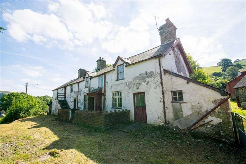 3 Bedrooms Detached House for sale in Holyhead Road, Llidiart-y-parc, Corwen, Corwen