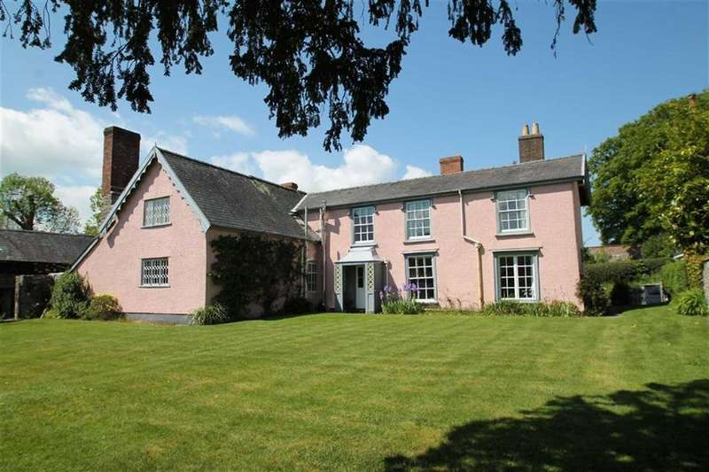 5 Bedrooms Detached House for sale in The Square, Clun